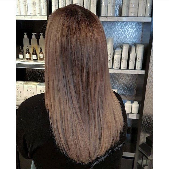 Denne kunden kom inn med en varm blondfarge i litt ulike nyanser med ettervekst.…