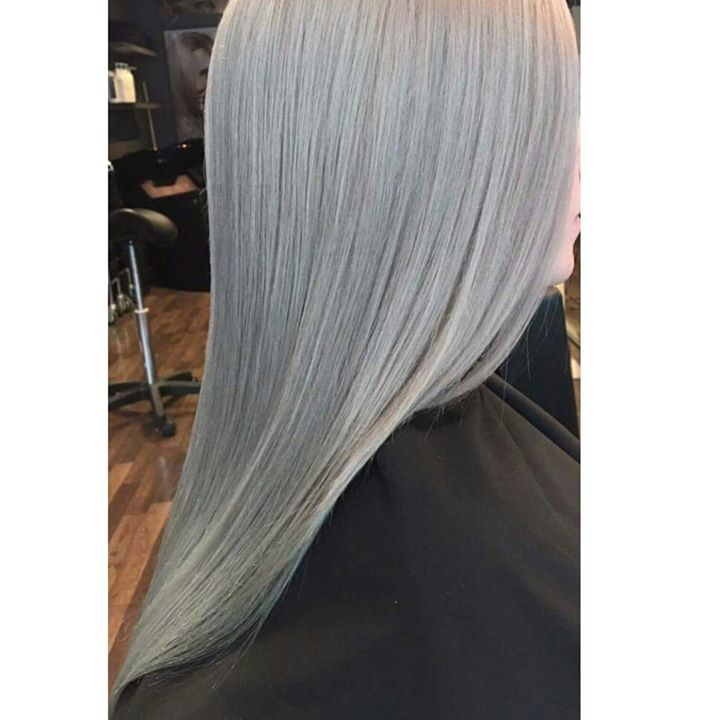 Nydelig gråtone! Juniorfrisør: Camilla #greyhair #wellahair #wellalife #glam_as #tromsøfrisør #hairinspiration #juniorhairstylist #welovehair
