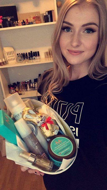 I samarbeid med gruppen Fifty Shades of Makeup her på Facebook delte vi ut…